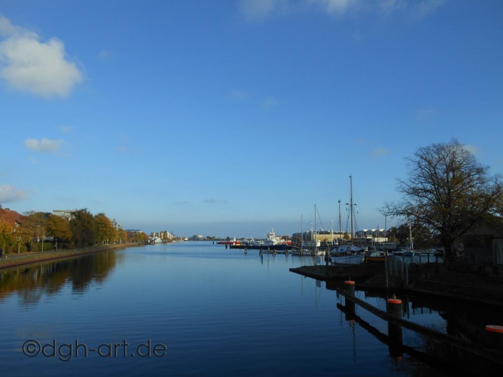 Binnenhafen im Oktober