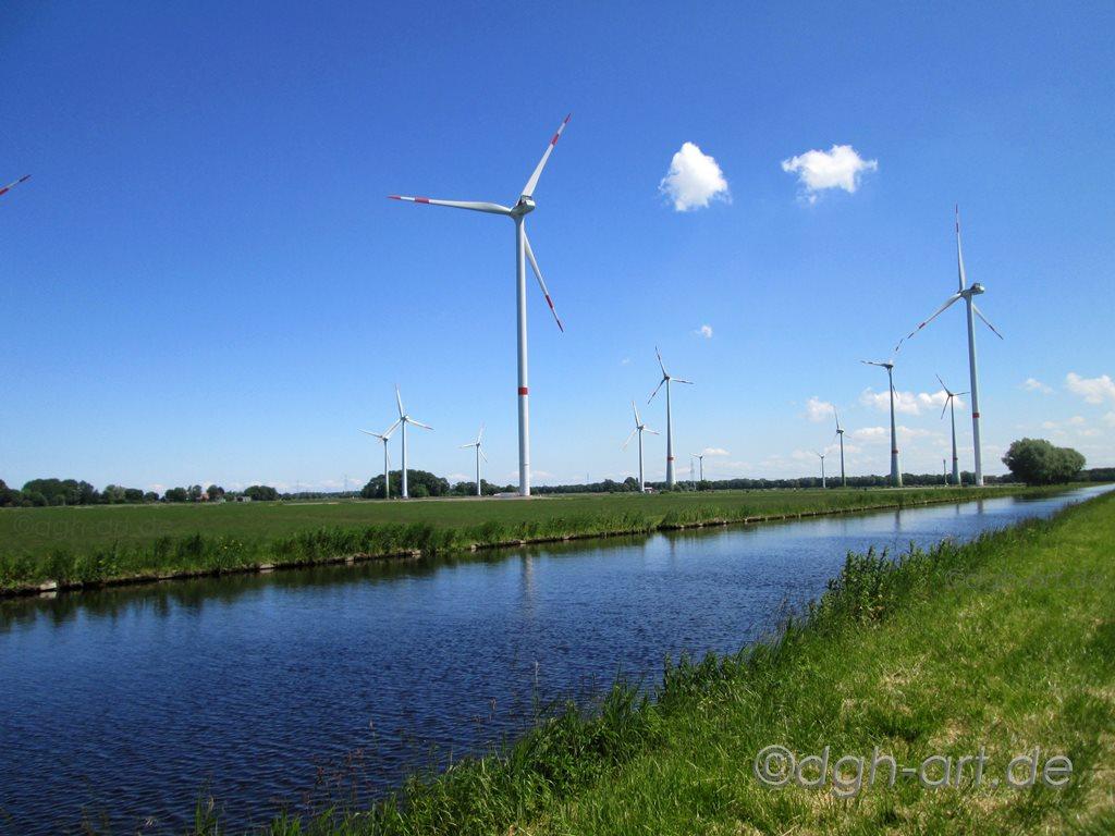 Windpark am Kanal